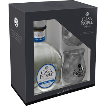 Casa Noble Crystal Tequila Gift Set with 2 Cups